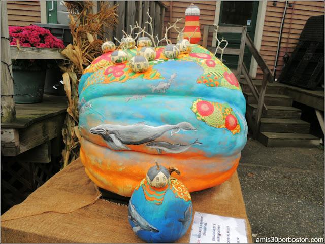Calabazas Decoradas para Halloween: Pueblo Marítimo con Faro