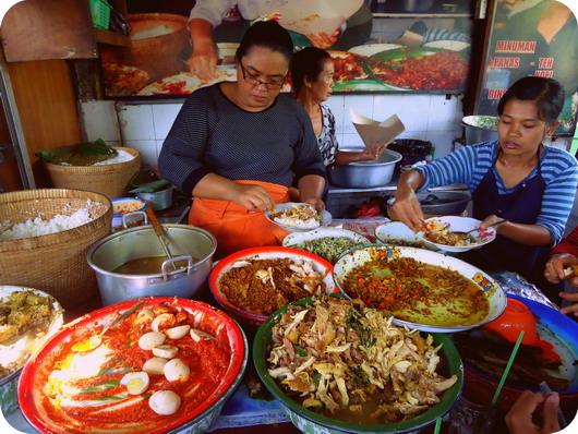 20 Wisata Kuliner Terkenal Di Bali Yang Enak Dan Murah
