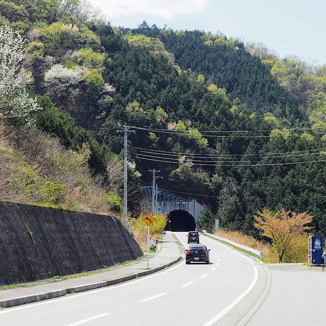 塩山 フルーツライン 牛奥トンネル