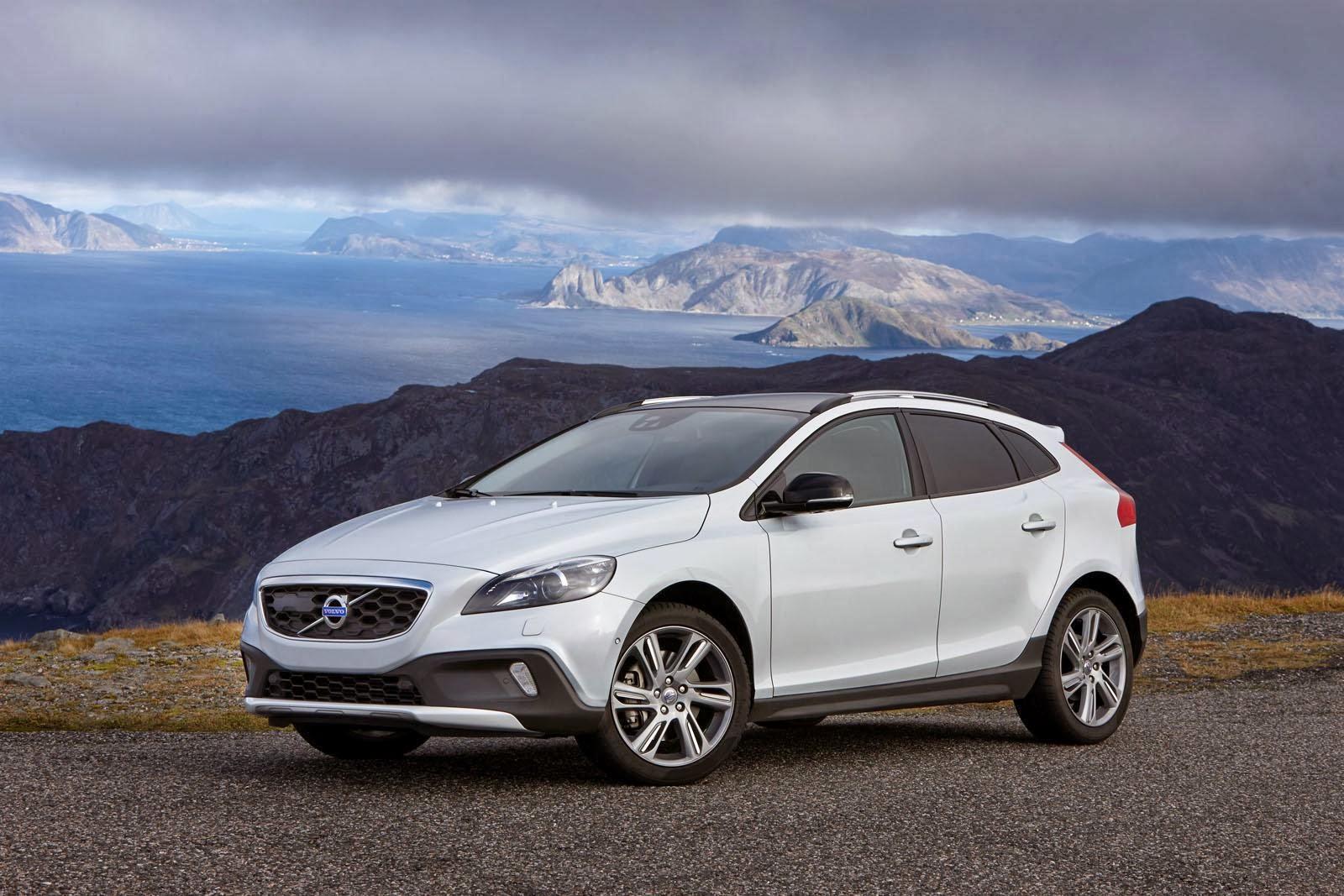 [Resim: Volvo+V40+ve+V40+Cross+Country+Drive-E.jpg]