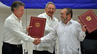 El Gobierno de Colombia y las FARC estampan histórica firma de cese del fuego