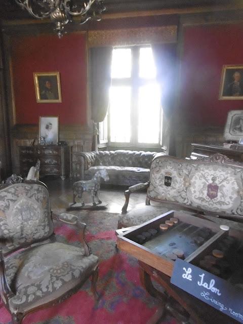 Cheval pommelé, salon du château de Bridoire, malooka