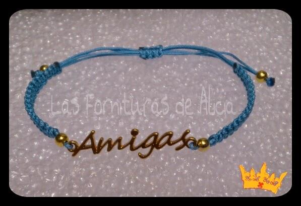 ae17696d1b8d DESCRIPCIÓN  Pulseras hechas con hilo de nylon azul bebé