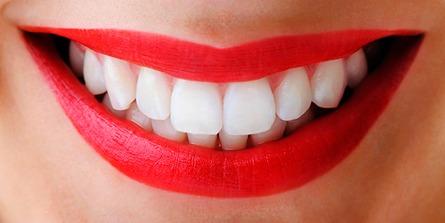dientes blancos naturalmente