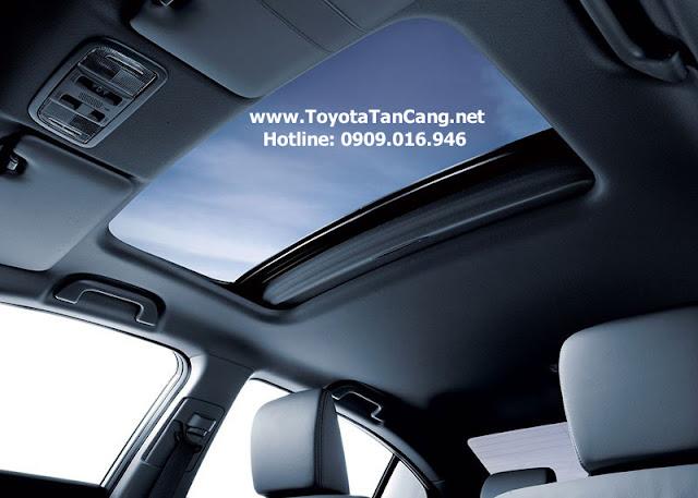 Civic được trang bị cửa sổ trời panorama