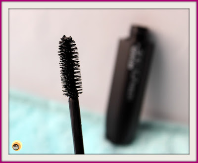 REVLON 051 blackest black Ultra Volume Waterproof Mascara wand