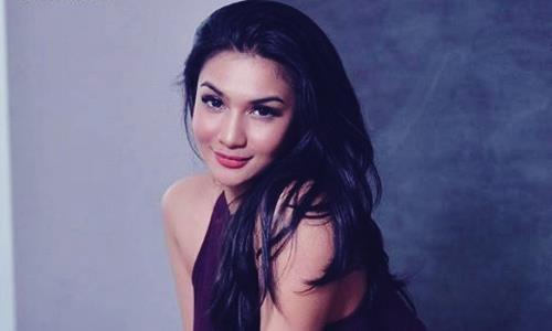 ialah seorang model majalah laki-laki remaja sekaligus DJ asal Indonesia Biodata DJ Siva Aprilia Si Model Popular Magazine dan Ring Girl di MMA