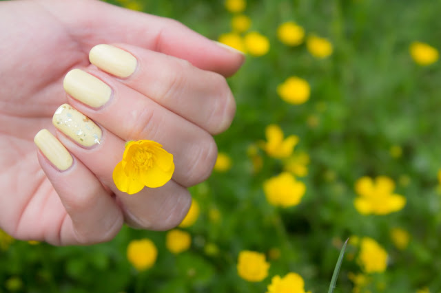 monday shadow challenge maquillage doré manucure jaune dior