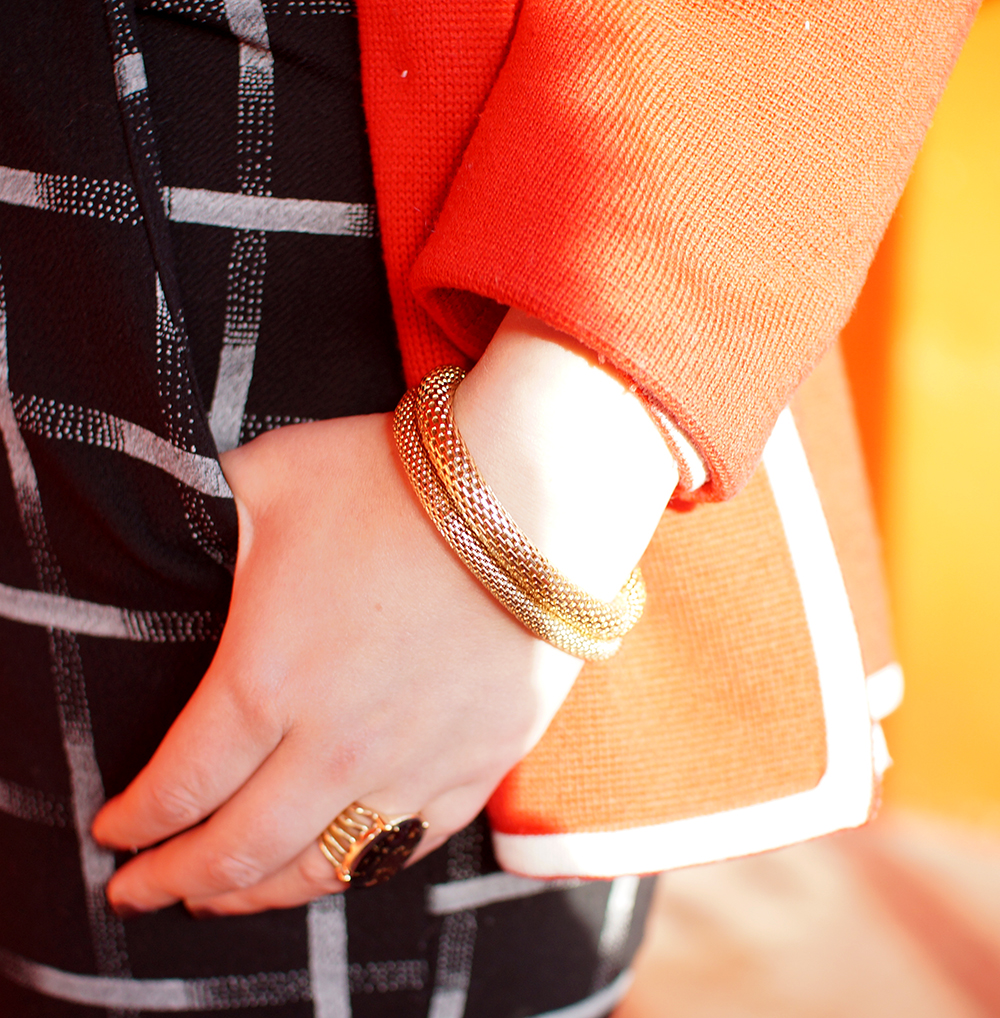 Frankly Ms Shankly, Edinburgh Blogger, red head, charity shop, H &M, New Look, Primark, vintage cardigan, Galentine's Day, red heart balloon, Valentine's style, Galentine's style, gold bracelet, ring