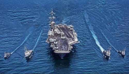 """دخلت مجموعة السفن الضاربة الأمريكية بقيادة حاملة الطائرات النووية """"أبراهام لنكولن"""" مياه بحر العرب، وتتواجد حاليا قرب سلطة عمان وفق ما نقلته وكالة """"إنترفاكس"""" الروسية عن مصارد مطلعة."""