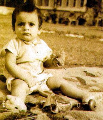 Childhood Pictures: Shahrukh Khan Childhood Pictures