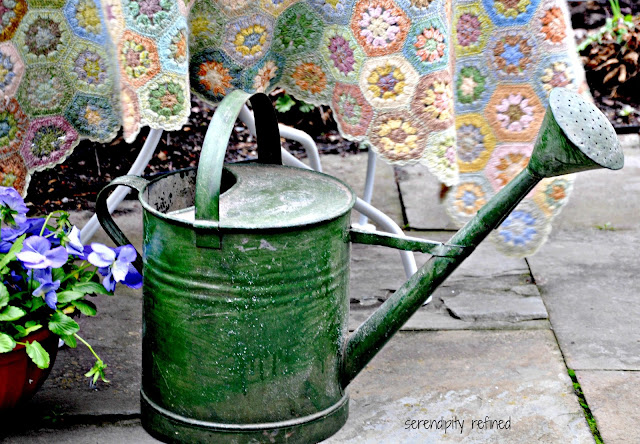 Spray painted white metal iron patio furniture spring table tea garden vintage watering can