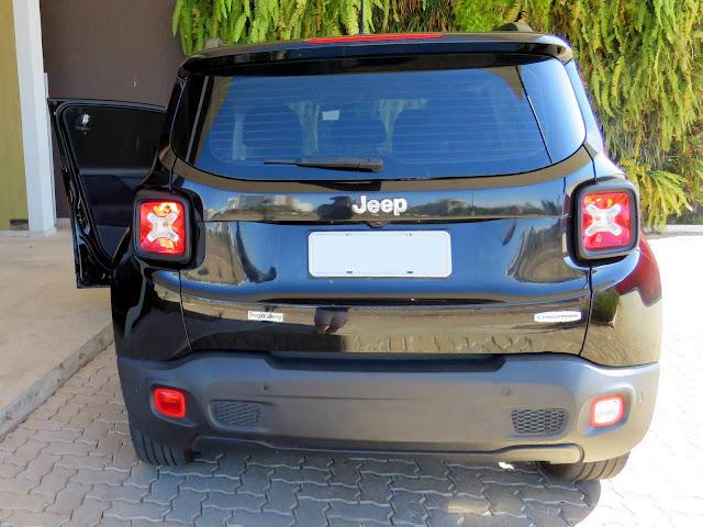 Jeep Renegade 2016 Flex - Preto - Traseira