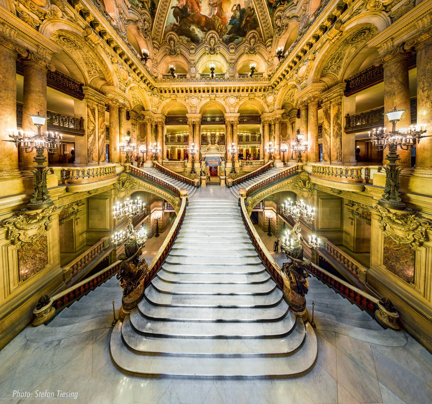 http://angeknipst.tiesing.de/2013/the-large-staircase-welcome-to-opera-garnier-v3/