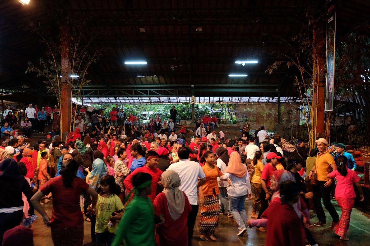 Saung Angklung Udjo, Bandung