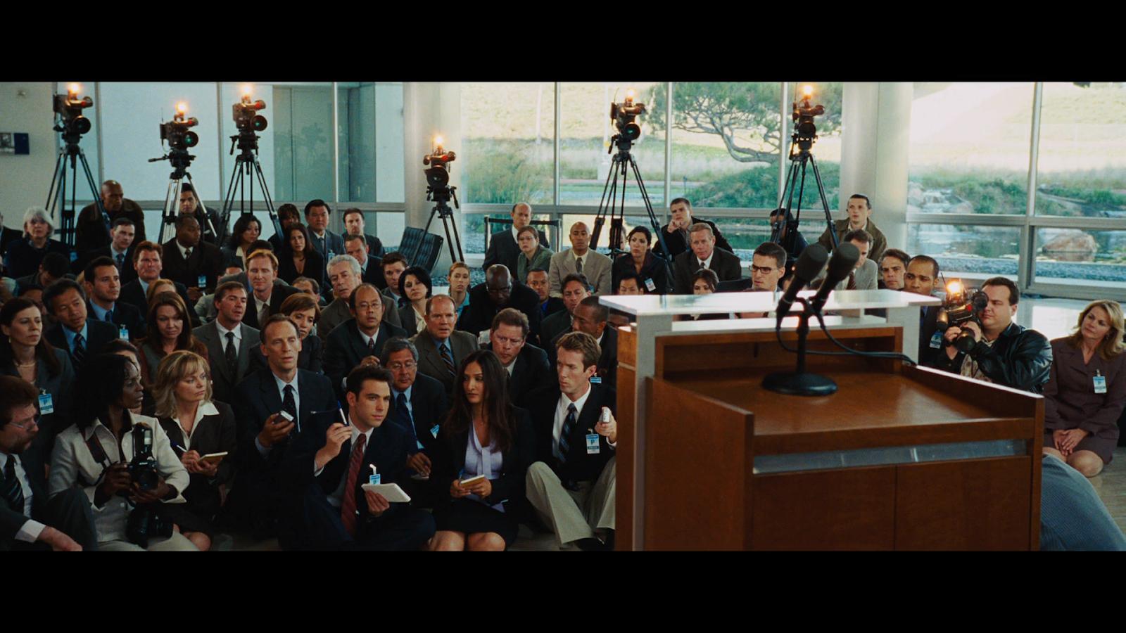 Iron Man (2008) BRRip 720p Latino-Ingles captura 2