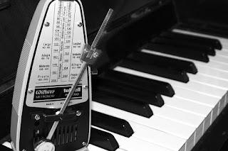 Kiat-Kiat Meninggalkan Lagu dan Musik