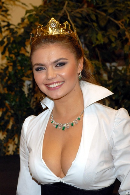 1St Picture Alina Kabaeva Hot Photos-1829