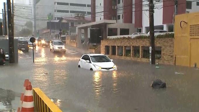 TEMPORAL: Chove mais de 50 mm em seis horas, em João Pessoa; PB está em alerta de chuvas intensas.