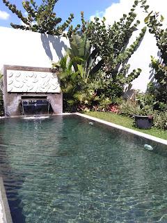 kolam air panas alami