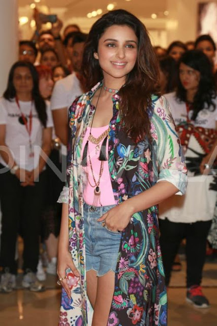 Parineeti Chopra in Pink Tee and Printed Cape at DLF Mall of India