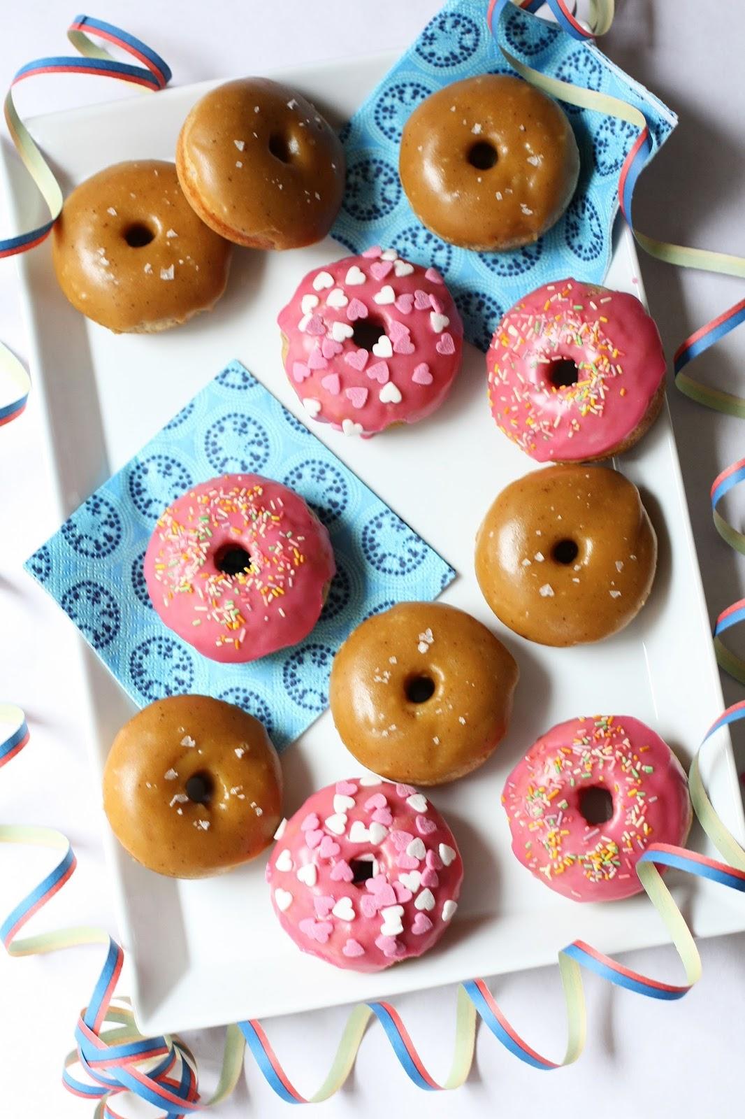vaaleanpunaiset vappudonitsit donitsit uunidonitsit vappu pomada mallaspulla resepti