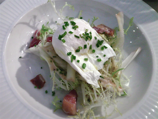 Salad with poached egg - Côte Edinburgh