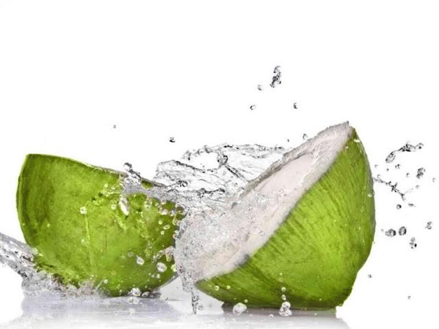 Pemberian air kelapa