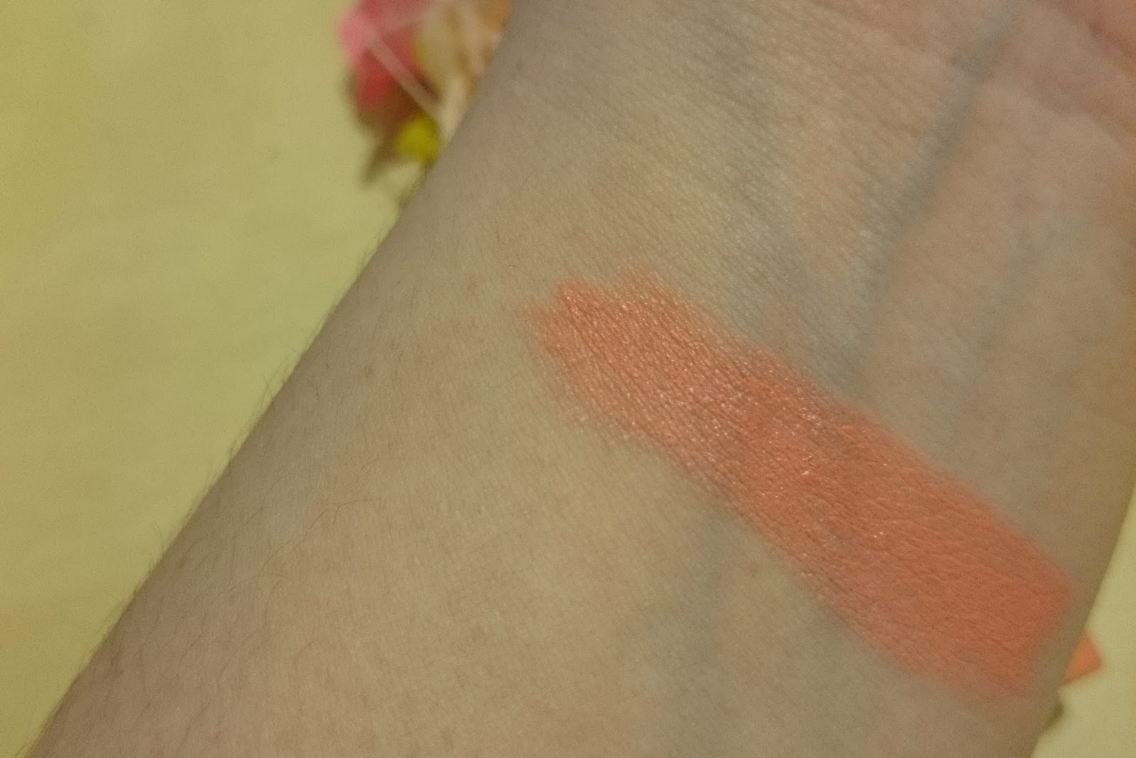 IsaDora Twist-Up Matt Lips 52 Posh Peach Swatches