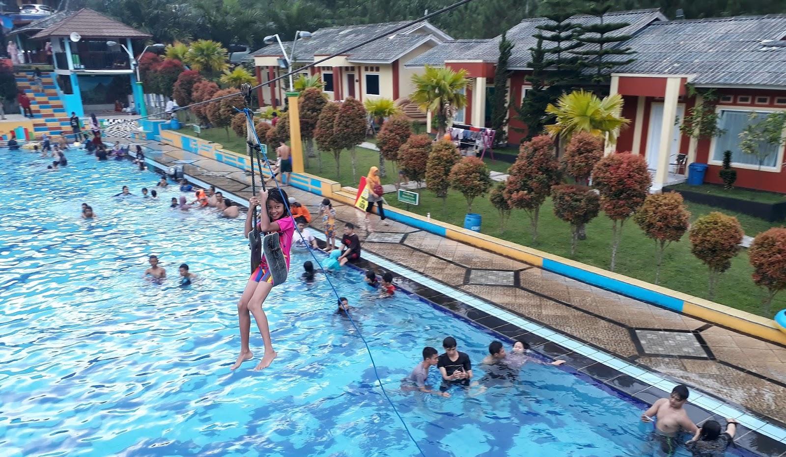 Nyobain Guciku Hot Water Boom : Pemandian Air Panas Guci
