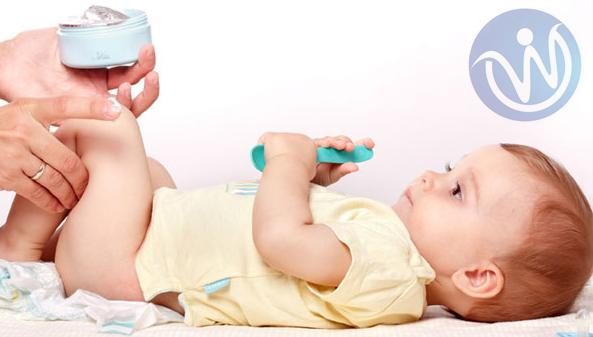 أسباب وأعراض إلتهابات وتسلخات الحفاضات عند الأطفال والعلاج