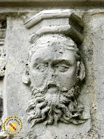 Toul - Cathédrale Saint-Etienne : cloître avec tête barbue