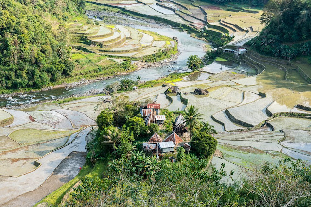 Village-rizieres-Mayoyao-Banaue-Philippines