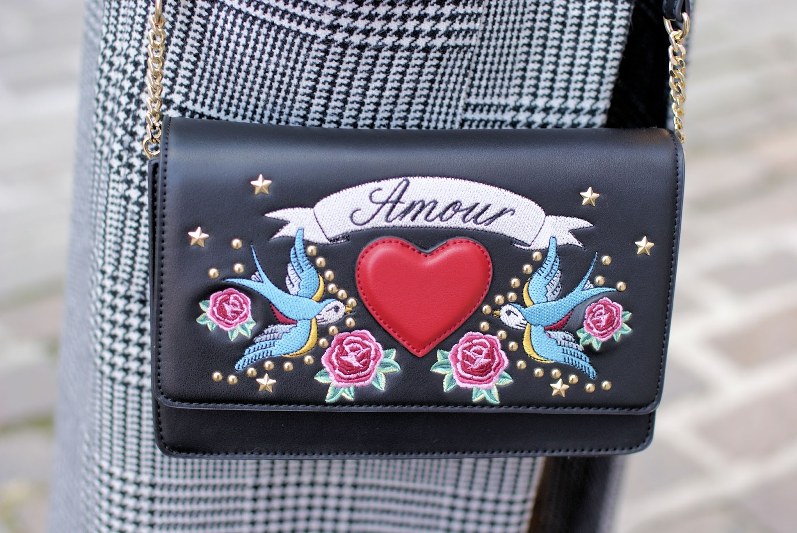 Gucci inspired bag, street style look on Fashion and Cookies fashion blog, fashion blogger style