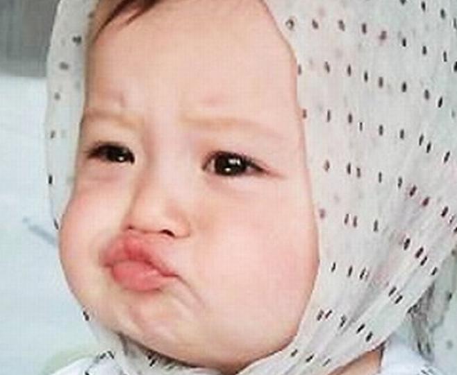 Yah Sepertinya Bibirnya Yang Cemberut Dan Jilbab Yang Dipilih Membuat Bayi Ini Sangat Imut Dan Menggemaskan