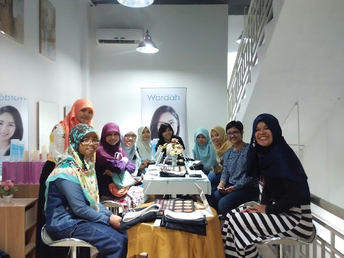 Wardah Beauty Class: Cara dan Fungsi Perlengkapan Make-Up