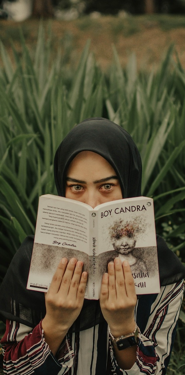 A girl reading.