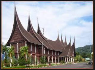 Desain Bentuk Rumah Adat Sumatera Utara di Indonesia dan Penjelasannya