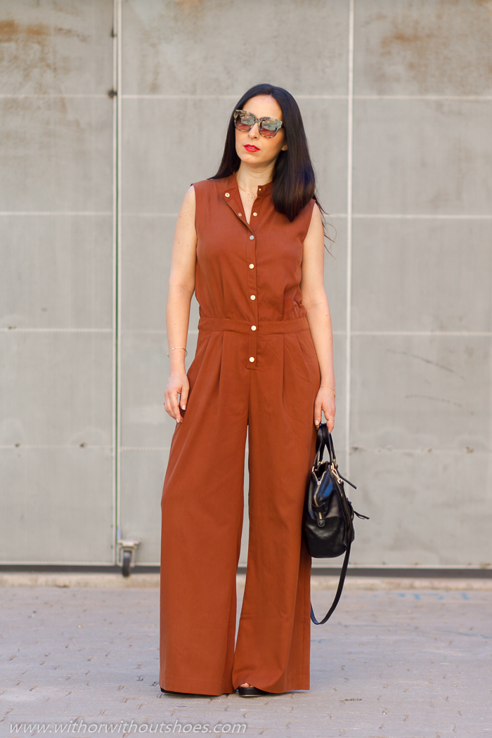 Influencer instagramer moda con ideas looks post parto para mamas
