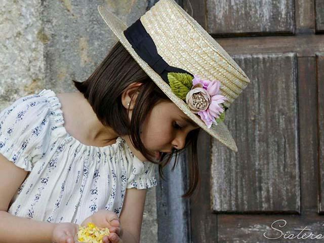 Canotier niña Sisters #modaceremonia #PequeñaFashionista