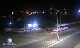 Ônibus de estudante da Ufersa é assaltados por homens armados em Caraúbas