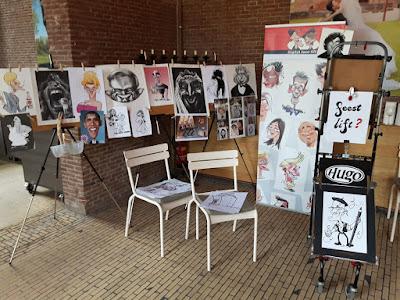 karikatuur tekeningen decor op statief display en Hugo s teken rollator