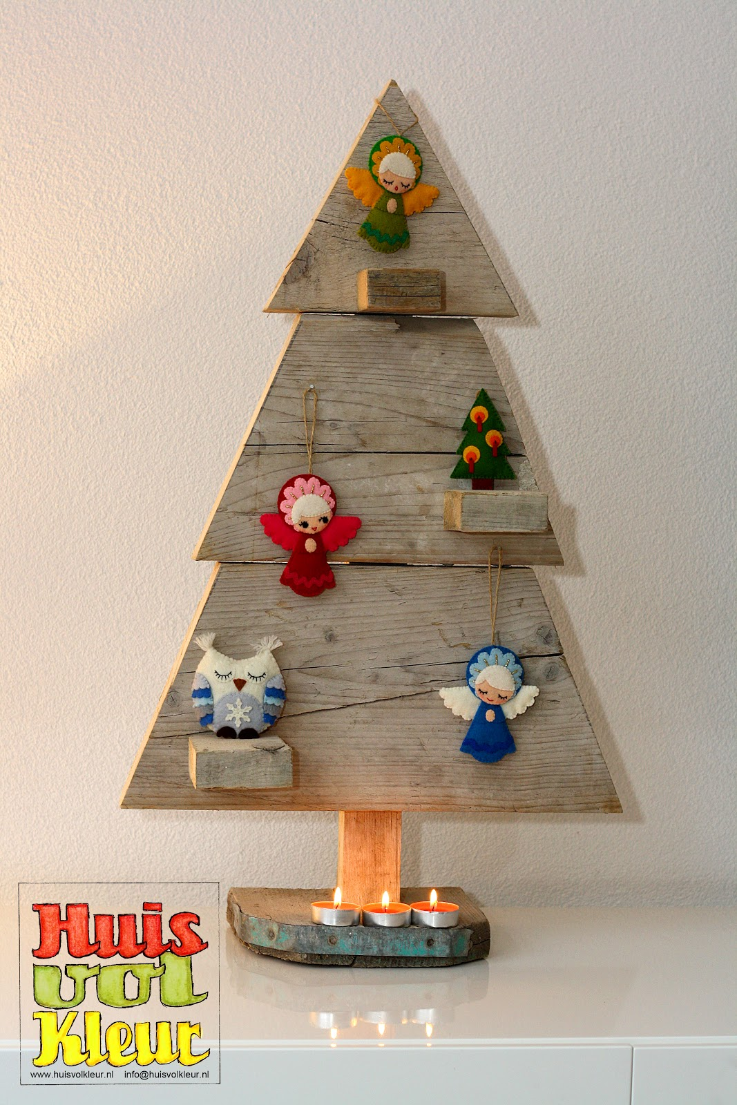 Huisvolkleur Houten Kerstboom