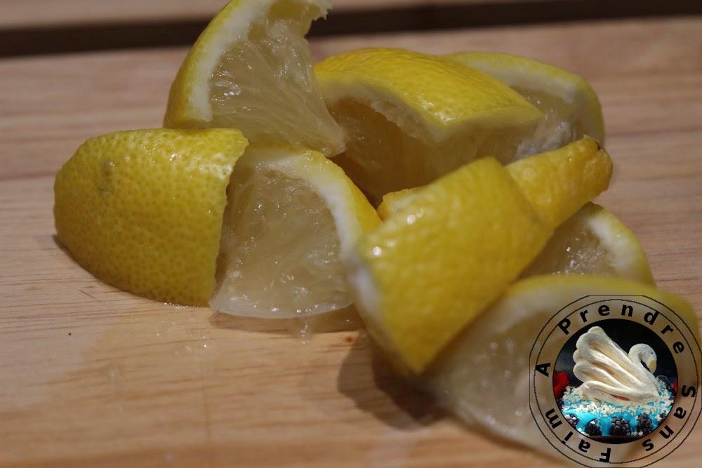 Poulet rôti à l'estragon, persil, citron en robe de pomme de terre (pas à pas en photos)