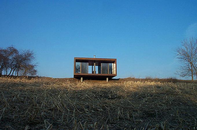 Small Cheap Prefab House With Oxidized Steel Facade