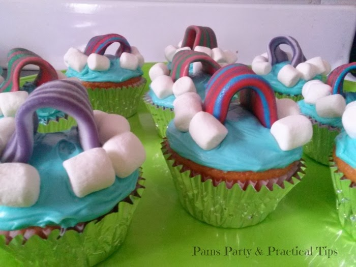 LEGO Movie Cloud Cuckooland Rainbow Cupcakes