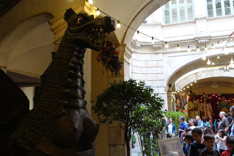 ビレイナ宮殿(Palau de la Virreina)