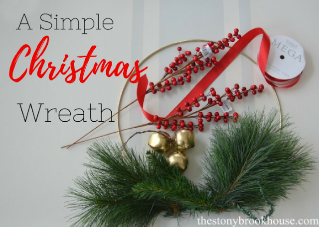 An Easy 10 Minute Christmas Wreath