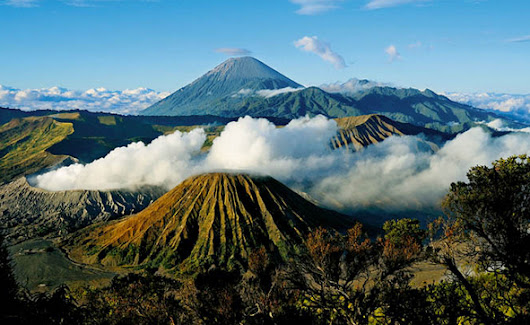 Guide to Hiking Mount Bromo, East Java Indonesia | Panduan pelancongan Indonesia
