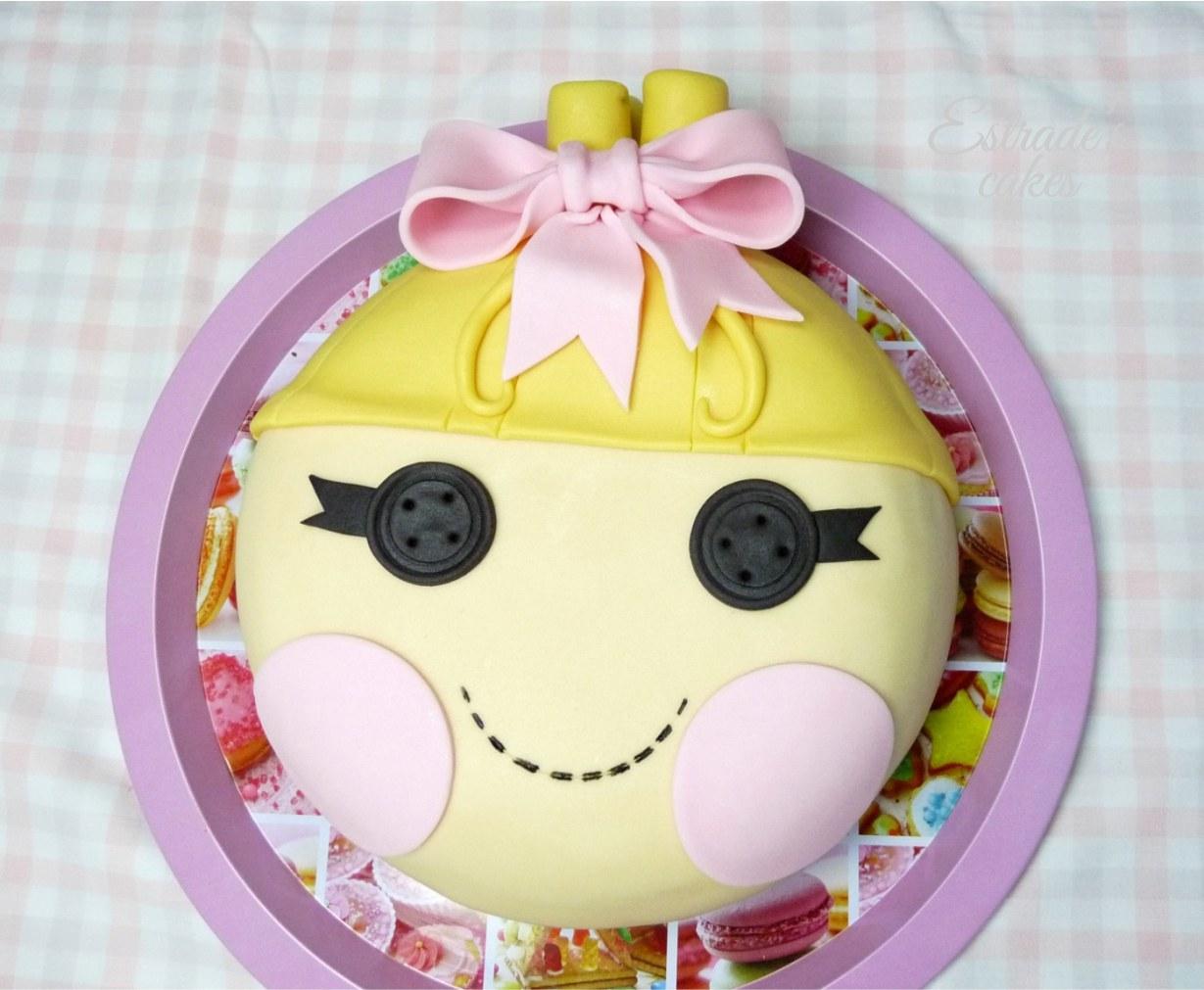Estrade S Cakes Una Tarta Lalaloopsy